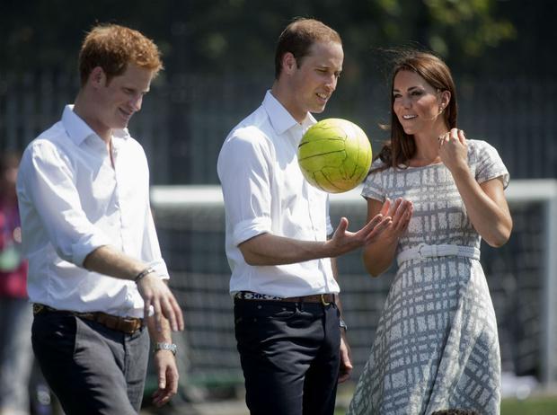 Фото №2 - Третий лишний: что было не так в отношениях Гарри с Уильямом и Кейт