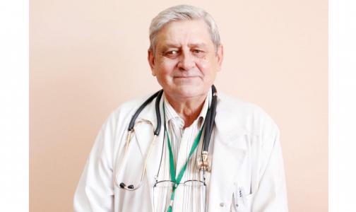 Фото №1 - «Лечился в ковидном стационаре». В Петербурге умер врач-пульмонолог Елизаветинской больницы