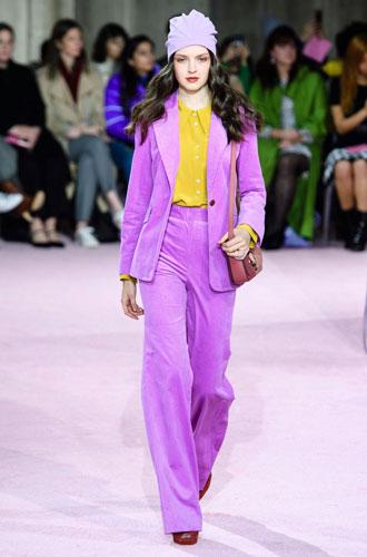 Фото №22 - От классики до сочных красок: лучшие костюмы с Недели моды в Нью-Йорке