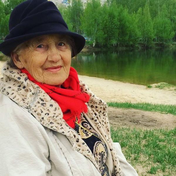 Фото №2 - Наталья Водянова показала свою 91-летнюю бабушку