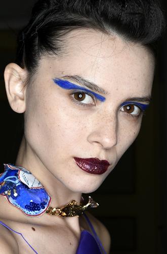 Фото №16 - Она вернулась: сине-голубая гамма в макияже глаз