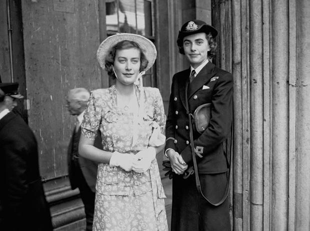 Фото №2 - Как принц Филипп сообщил Елизавете о смерти ее отца