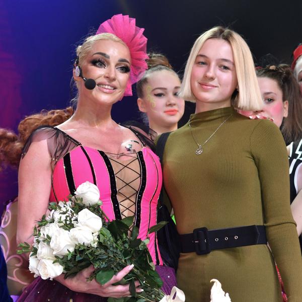 Фото №1 - «Мерзкий социум»: дочь Волочковой затравили в Сети за внешность и пение