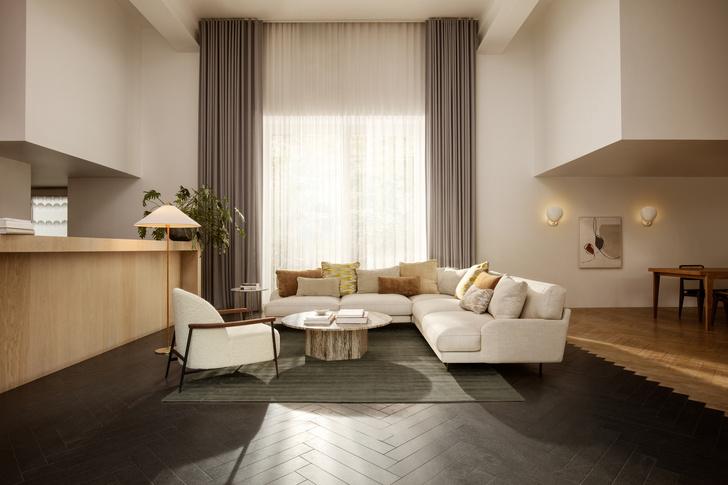 Фото №4 - Кресло Sejour по дизайну GamFratesi для Gubi