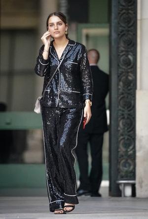 Фото №9 - Модная униформа: как носить пижамы вне дома (и даже в офис)