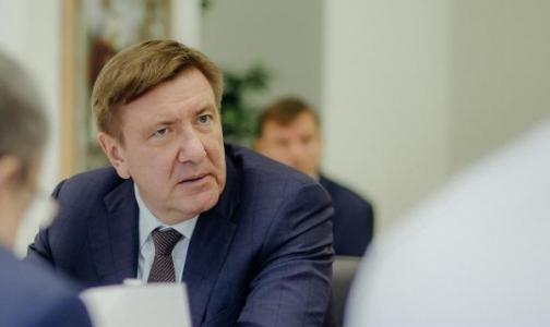 Фото №1 - Петербургскому здравоохранению грозит московский менеджмент