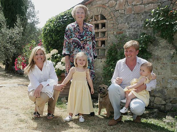 Фото №21 - Королевский отпуск: любимые места отдыха монарших особ разных лет