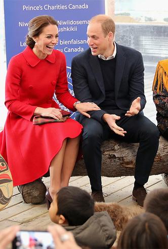Фото №6 - Фирменные позы и жесты королевских особ (а вы замечали?)
