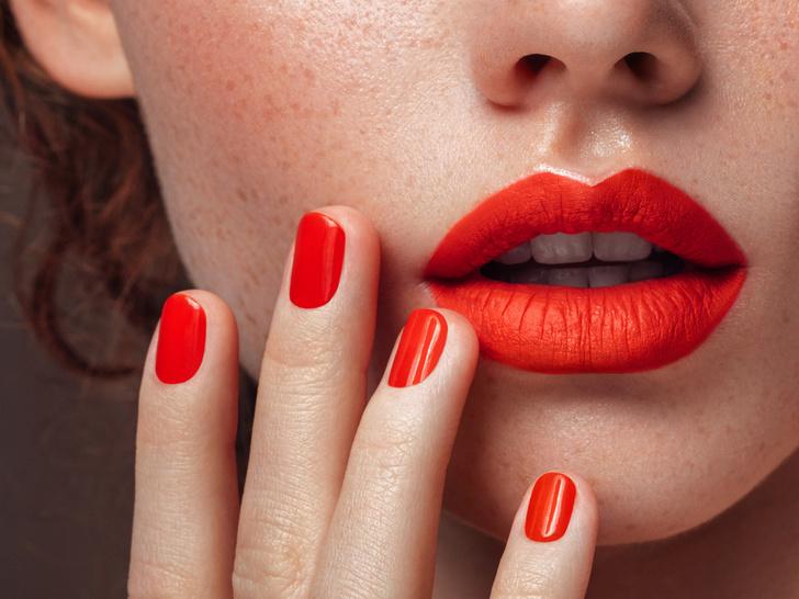 Фото №3 - Полный гид по уходу за кожей губ: правила, советы и частые ошибки