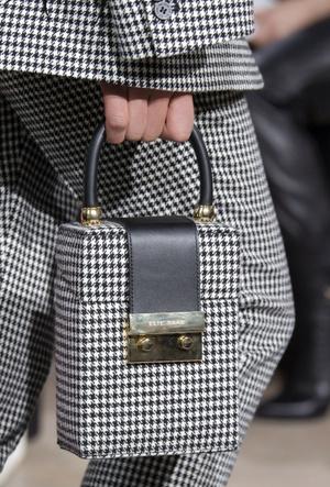 Фото №34 - Самые модные сумки осени и зимы 2020/21