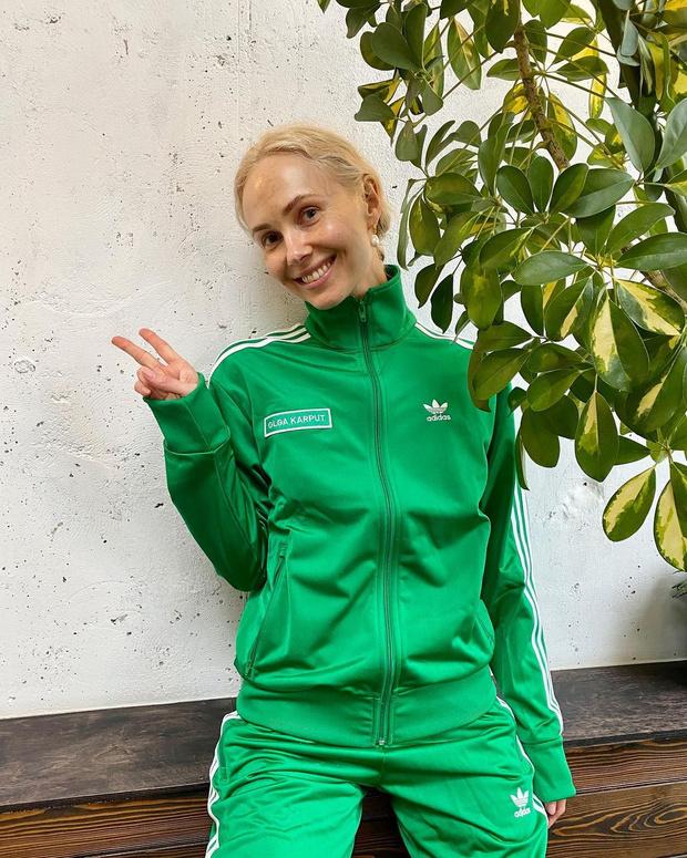 Фото №2 - Go green: Ольга Карпуть в именном костюме adidas Originals