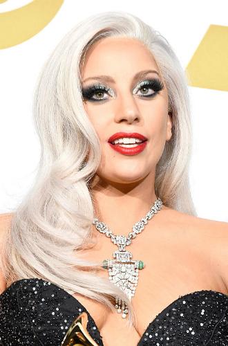 Фото №26 - Как хорошела Леди Гага: все о громких бьюти-экспериментах звезды