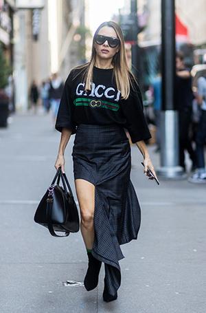 Фото №22 - Как носить самые модные юбки сезона: мастер-класс от звезд street style хроник
