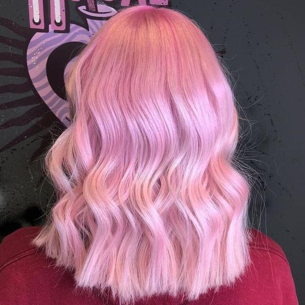 Фото №4 - Как красить волосы в розовый в 2021 году: 8 модных идей