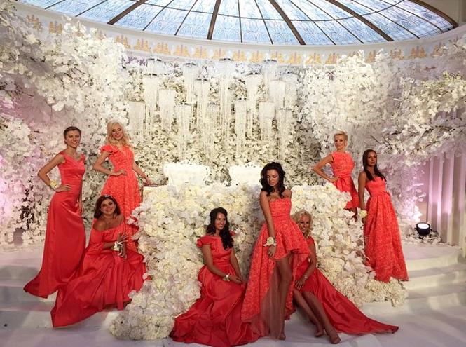 Фото №2 - Тренд лета: коралловое платье «как у подружек Бородиной»