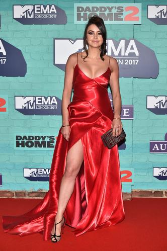 Фото №21 - Премия MTV EMA: лучшие звездные образы за всю историю