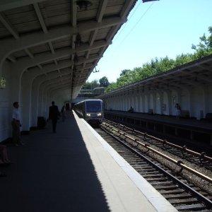 Фото №1 - В Москве временно закроют три станции метро