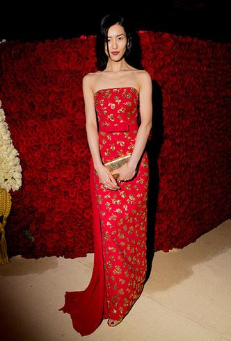 Фото №31 - Платье для выпускного бала: 20 идей с красных дорожек