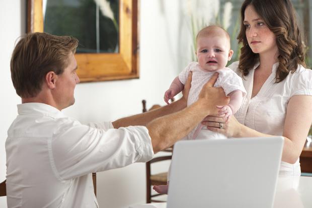 Фото №1 - «Муж наотрез отказался помогать мне с ребенком»