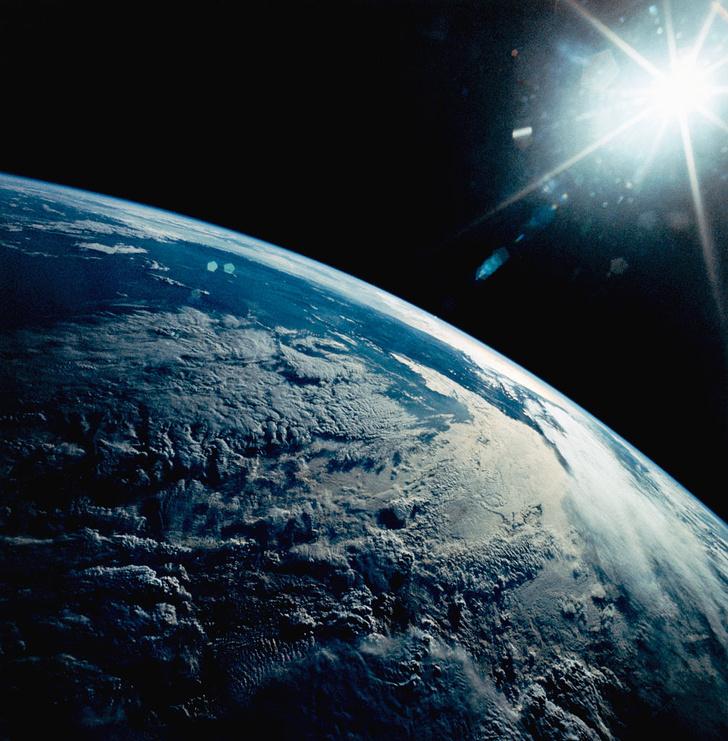 Фото №1 - Ученые объяснили видимые из космоса вспышки на Земле