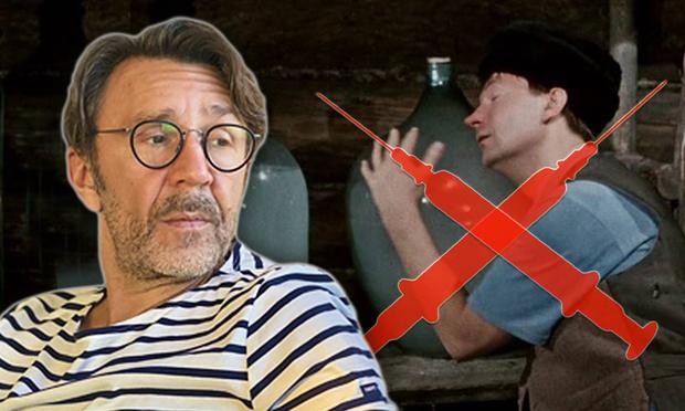 Фото №1 - Шнур отреагировал ироничными стихами на известие, что вакцину от ковида нельзя мешать с алкоголем