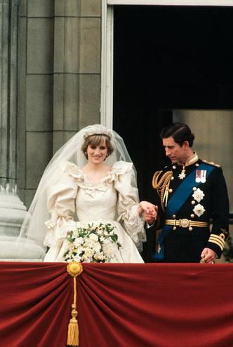 Фото №4 - Свадебная мода по-королевски: 5 знаменитых платьев