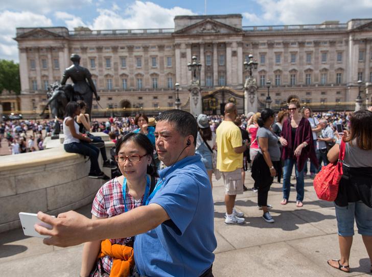 Фото №13 - Деньги и власть: сколько зарабатывает королевская семья Великобритании (и сколько она стоит)