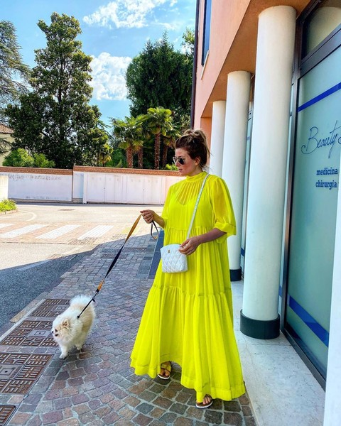 Фото №1 - Жанна Бадоева надела самое радостное платье из своего гардероба