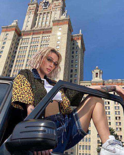 Фото №1 - «Сколько угодно можете завидовать»: Настя Ивлеева ответила всем, кто считает ее зазнавшейся