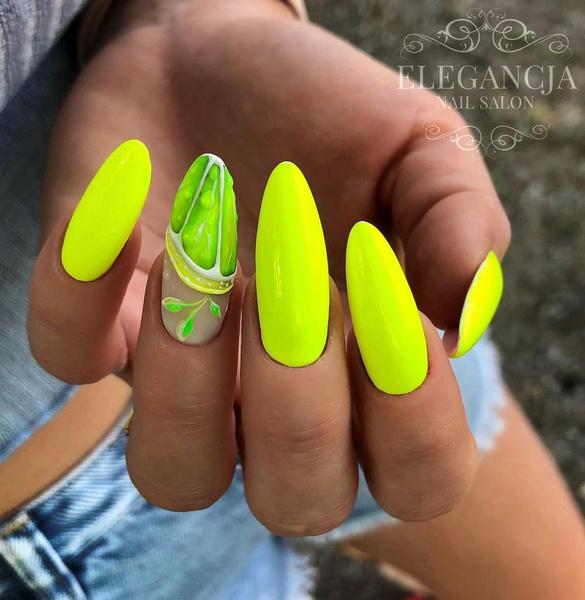 Фото №10 - Желтый маникюр: 10 модных идей для летних ногтей