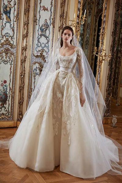 Фото №3 - Свадебная мода: выбираем платье для девушек с формами