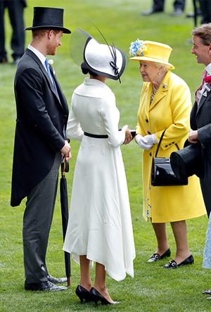Фото №4 - Насколько герцогиня Меган уже сблизилась с королевской семьей