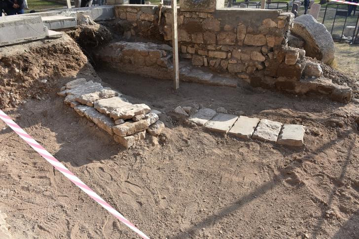 Фото №1 - В Турции нашли могилу разбившего крестоносцев султана