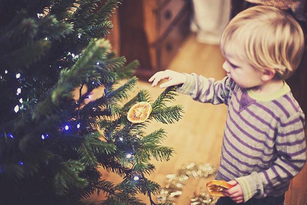 Фото №3 - Безопасный Новый год для малыша