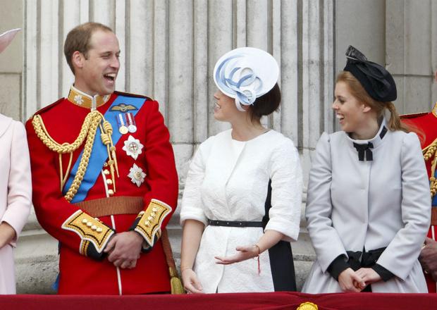 Фото №1 - Пасхальный розыгрыш: как принц Уильям напугал принцесс Беатрис и Евгению