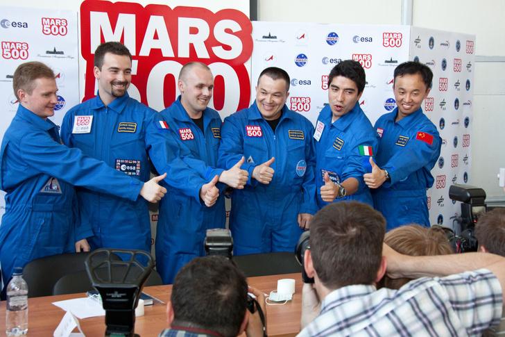 Фото №1 - 9 советов от участников программы Mars 500. Они провели в изоляции 520 дней