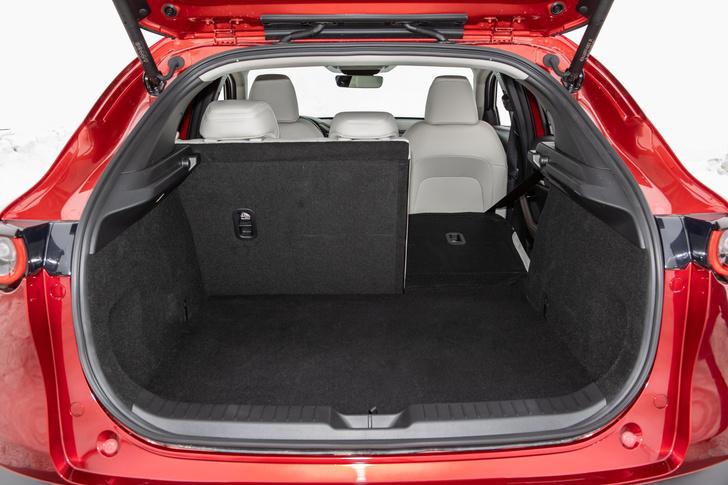 Фото №9 - Mazda CX-30: модель минус-сайз