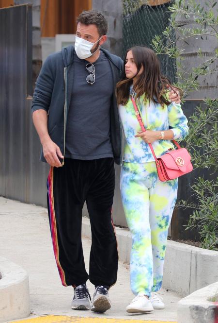Ана де Армас и Бен Аффлек в Лос-Анджелесе