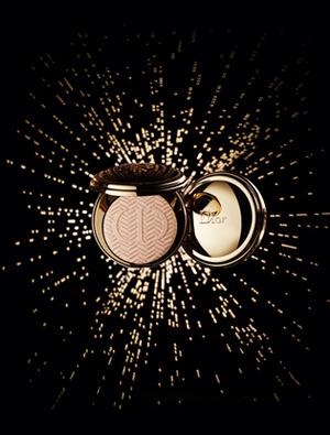 Фото №2 - State of Gold: рождественская коллекция Dior