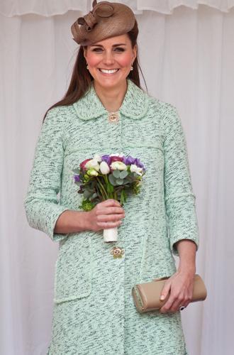 Фото №30 - Королевский дресс-код: любимые сумки герцогини Кембриджской