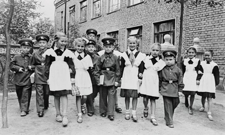 Фото №4 - Краткая история школьной формы в СССР