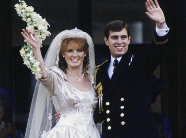 Фото №1 - Предчувствие беды: что пошло не так на свадьбе Сары Фергюсон и принца Эндрю