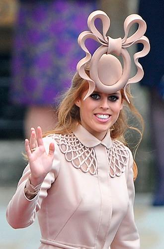 Фото №11 - Шляпу надень: почему Меган Маркл придется привыкать к головным уборам