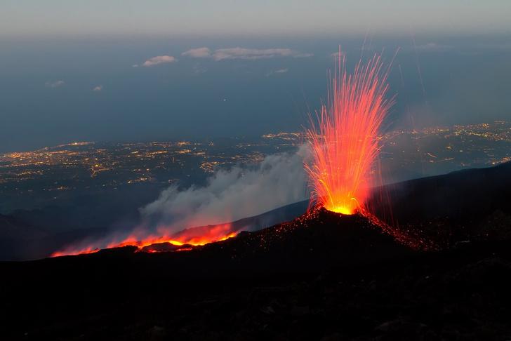 Фото №1 - К нам не подходи: самые вредные вулканы в человеческой истории