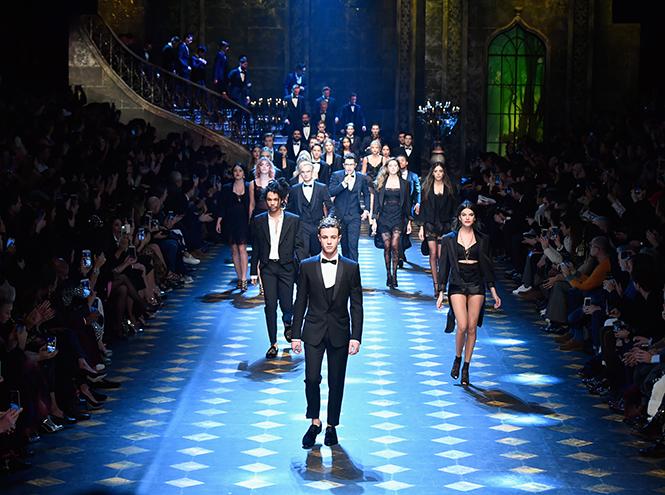 Фото №24 - Дети выросли: звездные отпрыски на показе Dolce & Gabbana в Милане