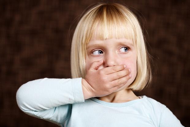 Фото №1 - Жертвы воспитания: почему дети не умеют звать на помощь