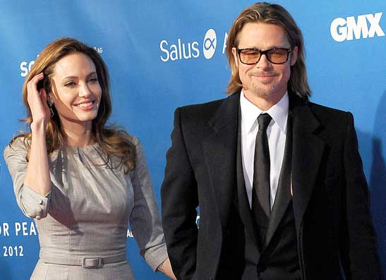 Фото №1 - Анджелина Джоли и Брэд Питт обручились