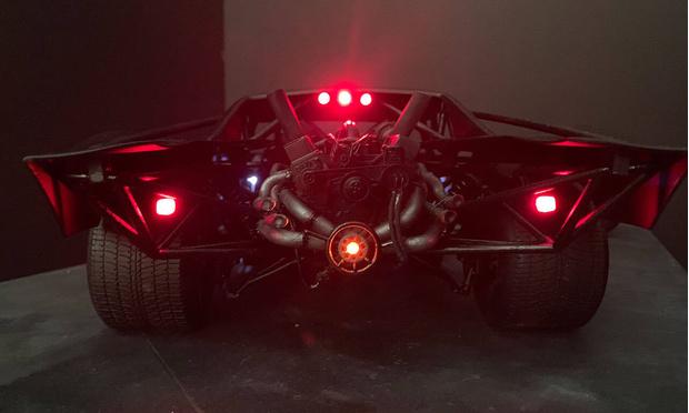 Фото №4 - Как выглядит новый автомобиль Бэтмена