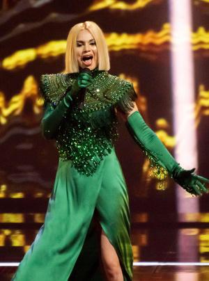 Фото №10 - Стразы и перья: самые эпатажные и смелые образы «Евровидения-2021»