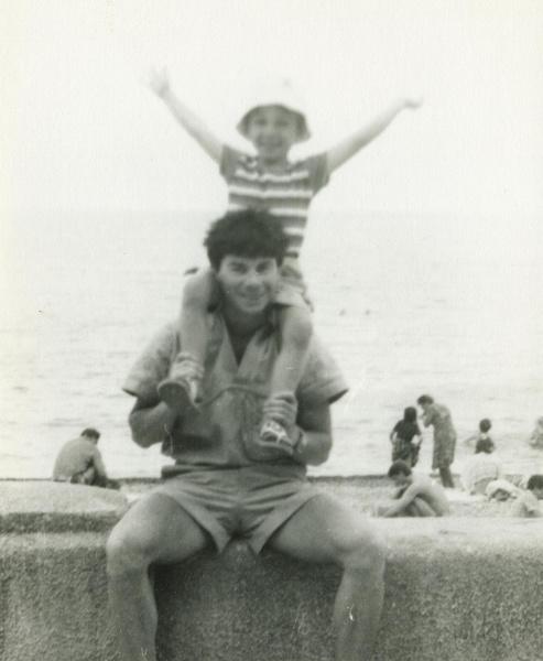 Фото №2 - Родину Газманову— 40: как сейчас выглядит мальчик, певший про Люси